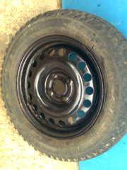 продам комплект зимней резины ( 4 колеса)